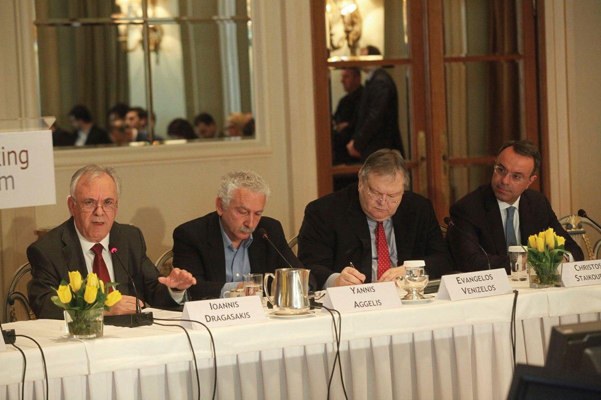 Ο πόλεμος για τον έλεγχο του τραπεζικού συστήματος και της ελληνικής οικονομίας