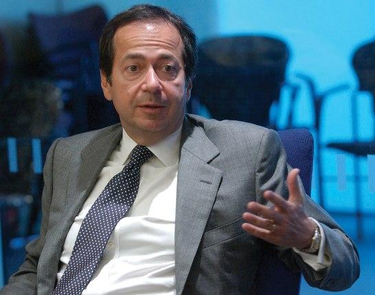 Ο Τζον Πώλσον, επικεφαλής του fund Paulson & Co, που αναδεικνύεται σε σημαντικό παίκτη στο ελληνικό τραπεζικό σύστημα