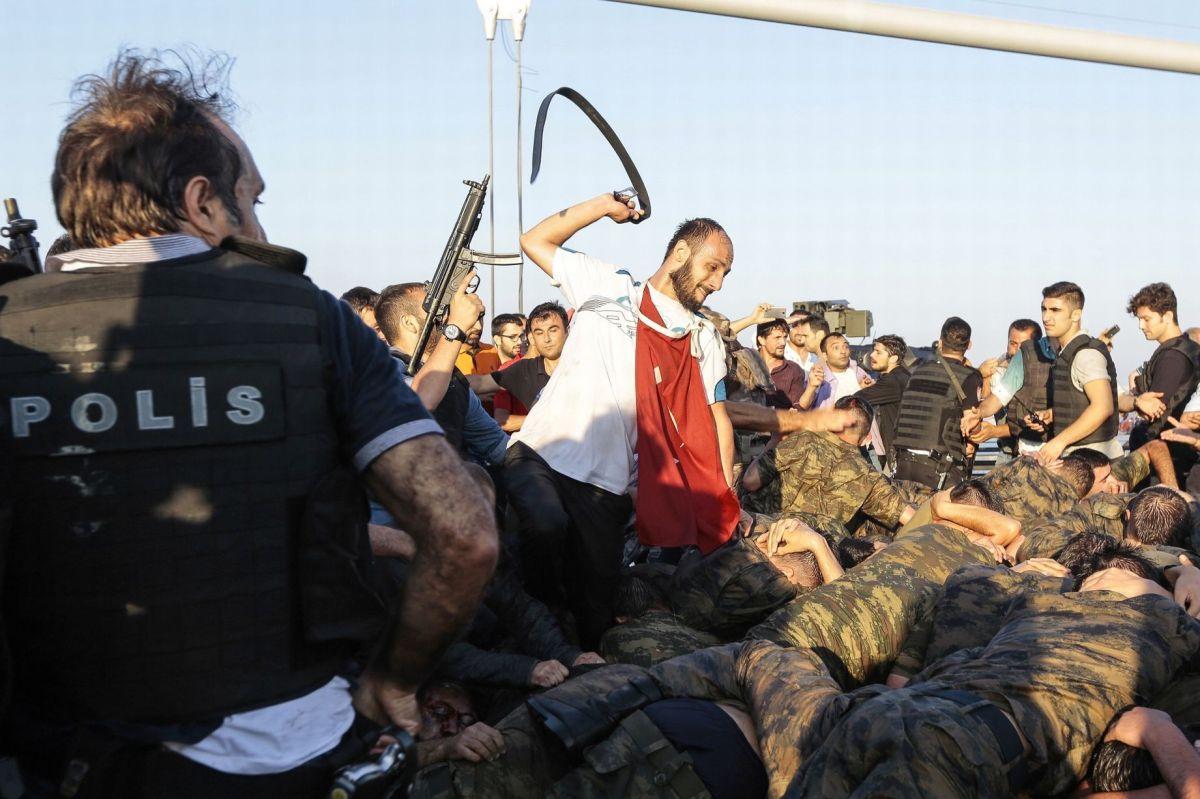 Μια καταστολή που ξεπερνά το πραξικόπημα